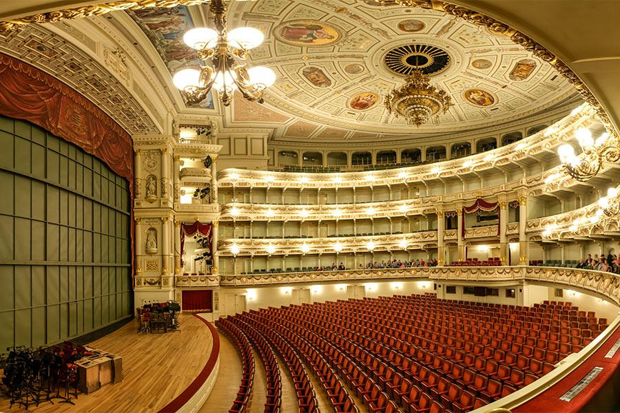 BURNBLOCK - teatry, opery